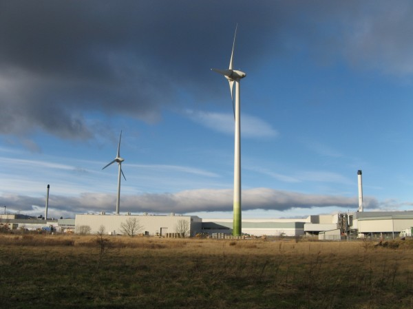 Wind turbines at Michelin factory, Dundee