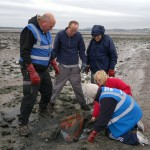Shanwell Marine Conservation members clearing up on Broughty Ferry beach